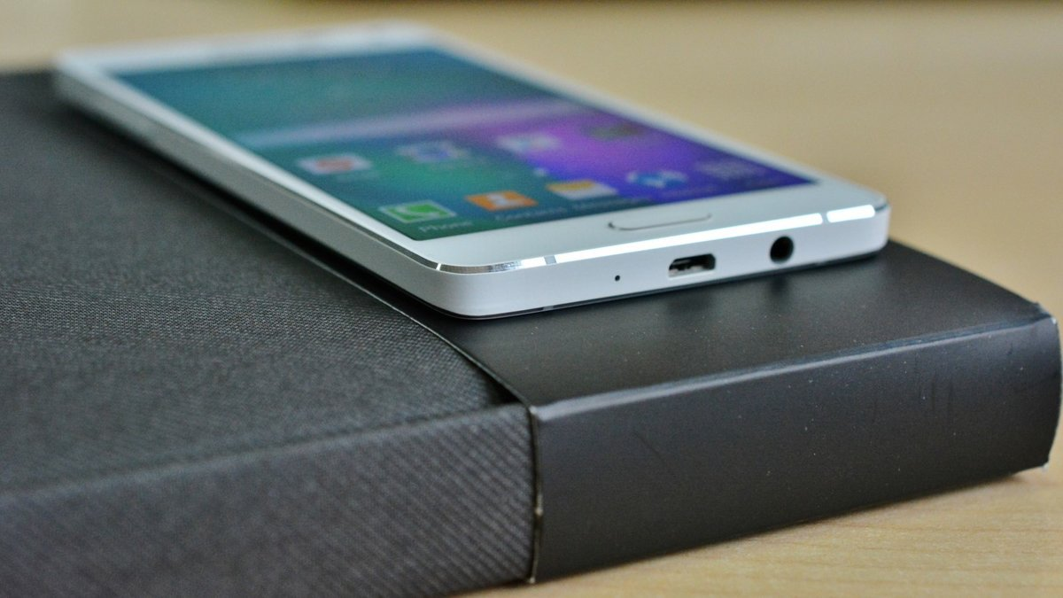 Cum Se Poate Inlocui Carcasa La Un Telefon Samsung?